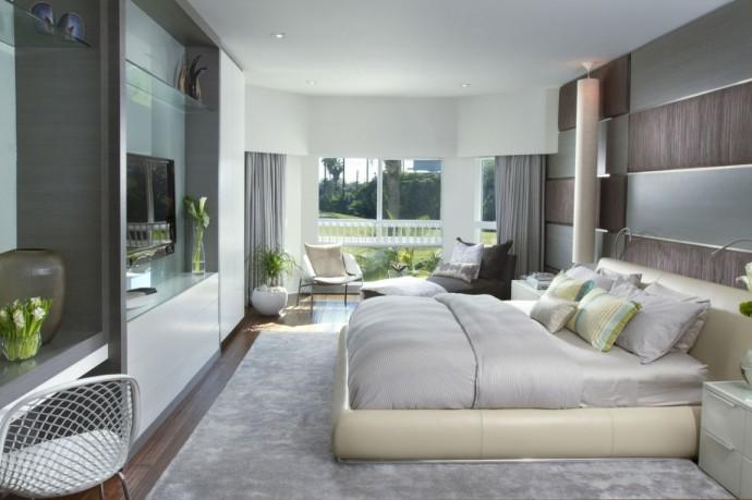 elegant-bedroom-with-huge-bedding-in-neutral-tones